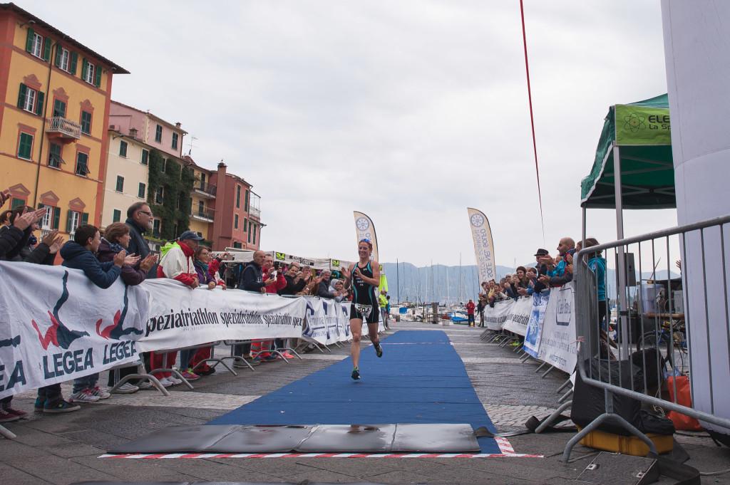Triathlon Olimpico Lerici - arrivo donne