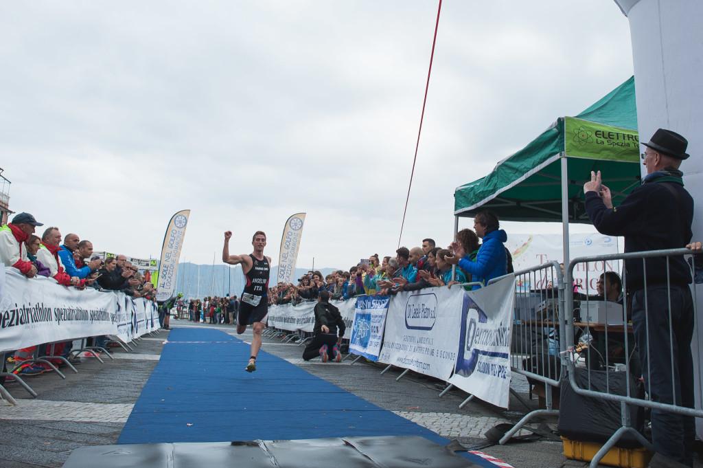 Triathlon Olimpico Lerici - arrivo uomini